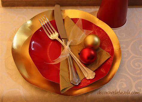 idee per tavola natalizia idee per tavola natalizia in rosso e oro decorare la tavola