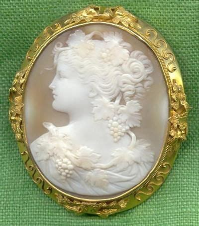 Swan Cameo Spm 45 15 best antique and vintage cameo brooch pins and pendants