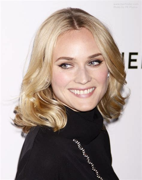 diane kruger wearing her hair at shoulder length with