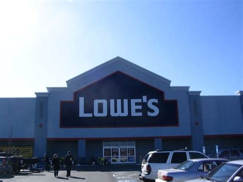 lowe s home improvement closed hardware stores