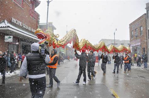 new year parade in chicago celebrate new year read do and go