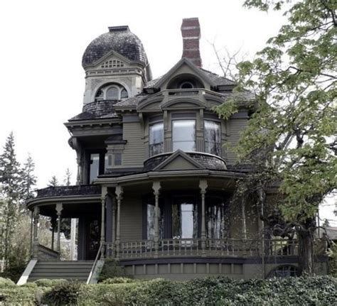 gothic victorian style house gothic haunting or on the gothic victorian victorian houses pinterest
