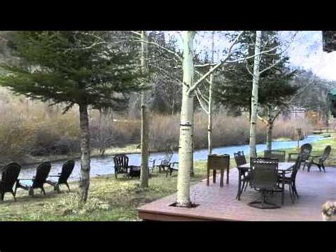 Home By The River river charm lodge luxury riverside vacation cabin