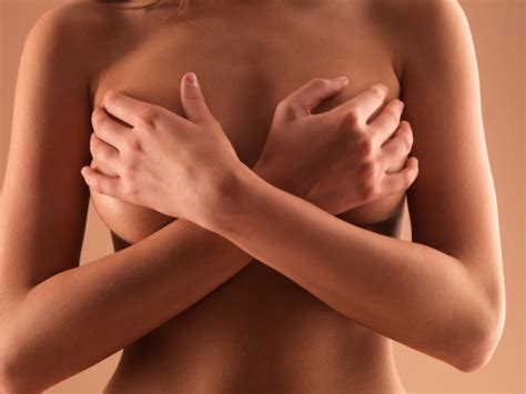 8 Dangers Of Breast Implants by The Risks Of Breast Implants