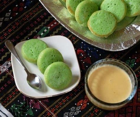 membuat kue serabi kuah resep membuat kue serabi pandan empuk enak sederhana