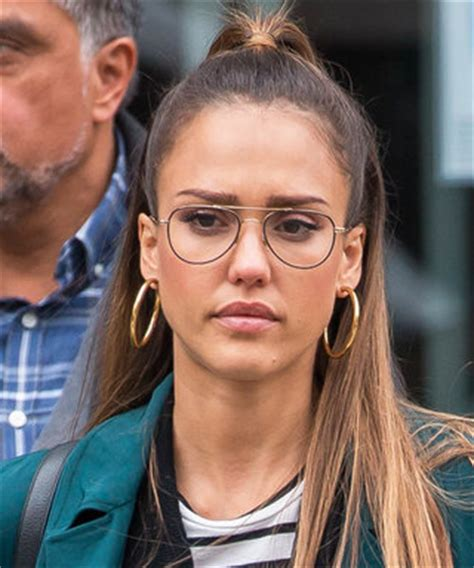 pregnant jessica alba gets into the easter spirit on egg