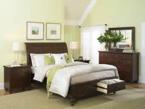 Light Green Bedrooms Exclusive Decor And Curtains In Green For Bedroom Decobizz