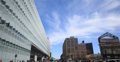 Bronx Criminal Court Search Titanic Bronx Courthouse Mired In Hazards Ny Daily News