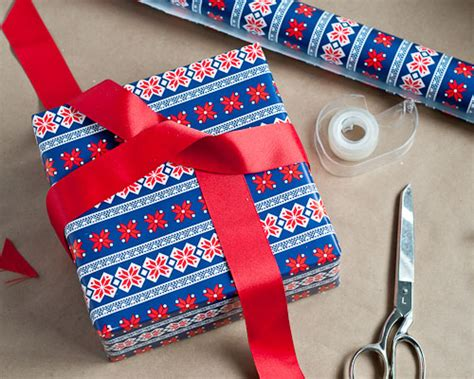 wrapping present living well 4 secrets to wrapping a present design mom