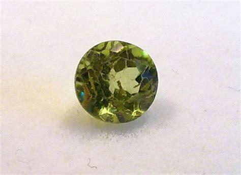 Cincin Oval Olive Green Peridot Size Silver 0 60 ct olive green peridot gemstone