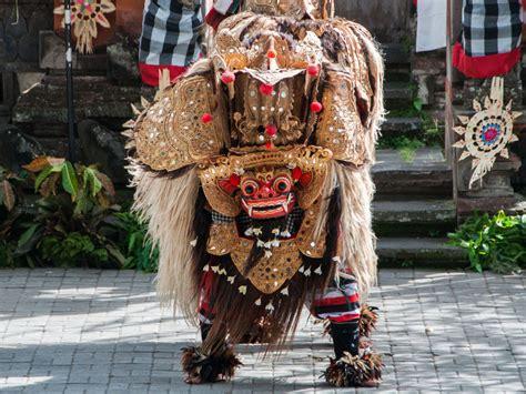 bali ubud barong kris barong and kris batuan bali indonesia sonya and