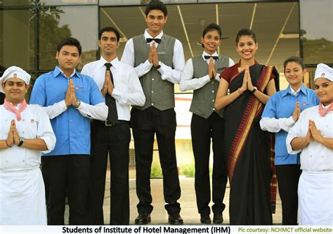 hotel management careers courses colleges salary
