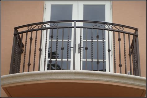 awesome and sophisticated balcony grill design 2784