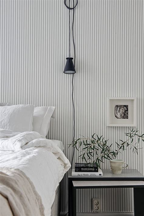 grey and white bedroom wallpaper 25 best ideas about grey striped walls on pinterest