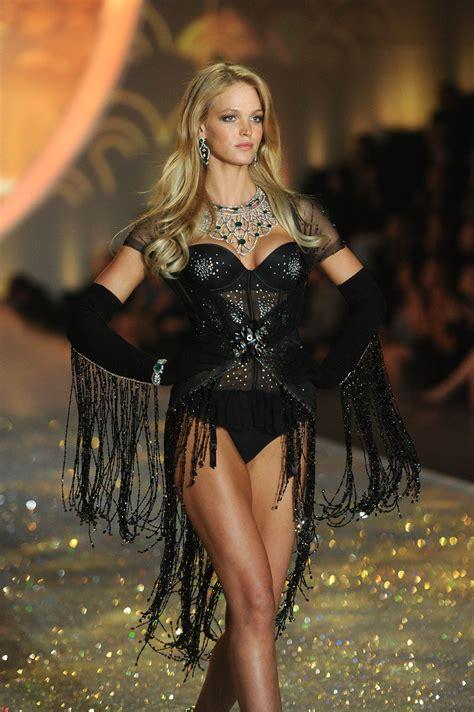 s runway secret erin heatherton victorias secret fashion show runway