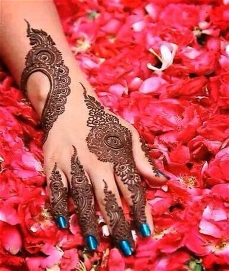 where and how much to spend on mehendi decor props 25 best ideas about modern henna on pinterest modern