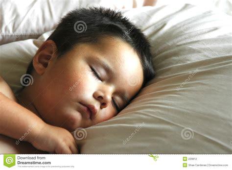 baby schlafen baby schlafen stockfotografie bild 229812