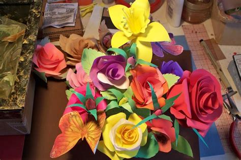 Make Construction Paper Flowers - how to make paper roses
