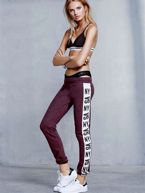 A Few Victorias Secret Models To Embrace Egotastic by Supersoft Cozy Fleece With A Feminine Fit Now We Re