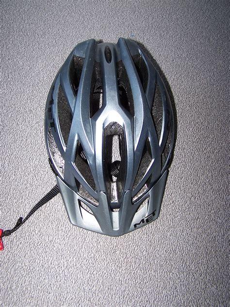 Kaos Merida fietshelm met kaos gunmetal mountainbike nl