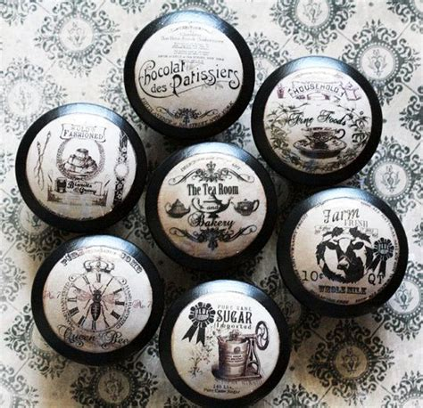 How To Decoupage Door Knobs - painted wooden knobs with decoupage i could so do this