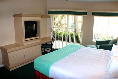 3 Bedroom Hotels In Orlando by 3 Bedroom Resorts In Orlando Fl Suites Accommodate Up