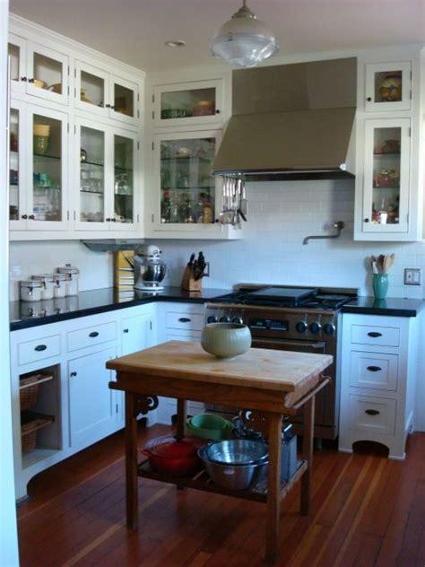 best 25 bungalow kitchen ideas on pinterest craftsman kitchen split small bungalow interior design ideas myfavoriteheadache