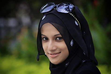 7 reasons to date a muslim girl return of kings