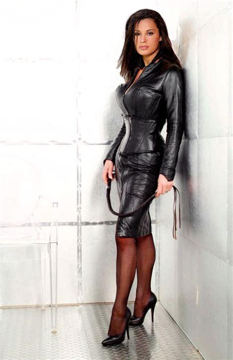 Silk Or Down Duvet Mistress In Leather Gloves Gloves Online
