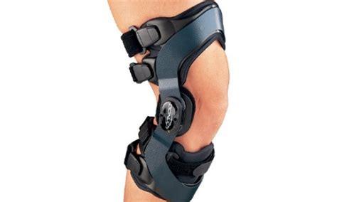 best knee braces 5 best unloader knee braces that really work knee