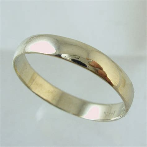 wedding band14 karat recycled gold ring wedding band
