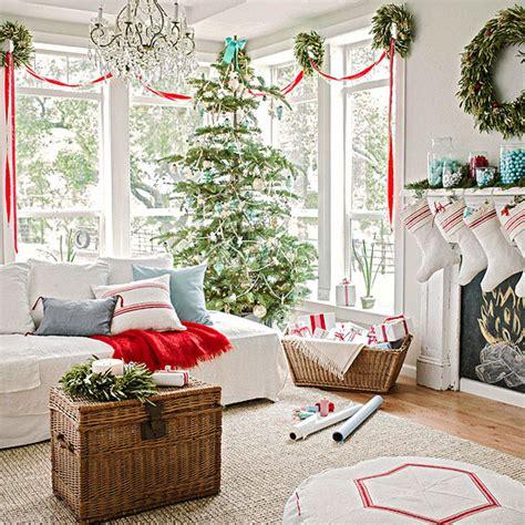 Fensterdeko Weihnachten Girlande by Weihnachtsdeko Und Ideen F 252 R Zuhause Festliche Girlanden