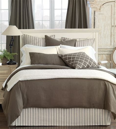 luxury bedding by eastern accents classic linen - Classic Bedding