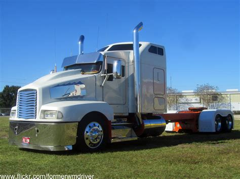 kenworth t600 custom custom kenworth saw this custom truck sitting in