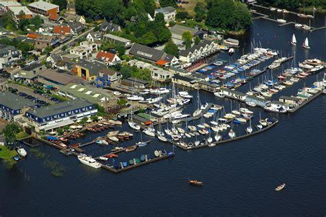 uitkijk loosdrecht de uitkijk road marina in oud loosdrecht netherlands