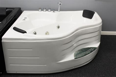 2 person jetted bathtub corner jetted bathtub for 2 person b226 sale best for bath