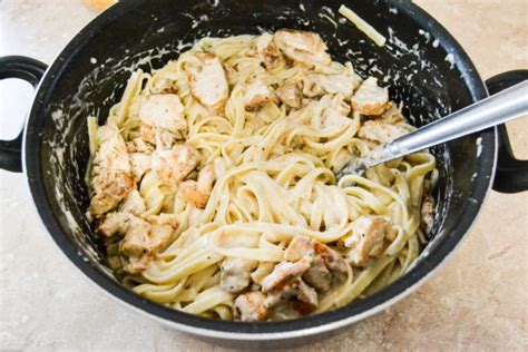 spicy cajun chicken fettuccine alfredo flour on my