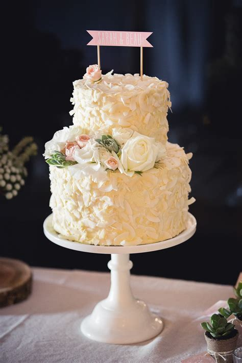 Non Traditional Melbourne Winery Wedding   Wedding Cakes