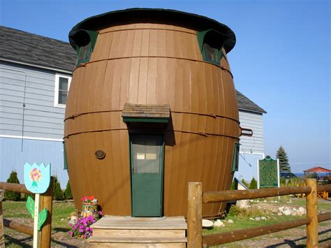 barrel house pickle barrel
