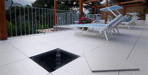 pavimenti galleggianti per terrazzi pavimenti sopraelevati da esterno marazzi engineering