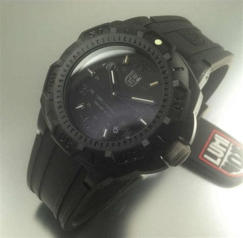 Luminox Sentry 0201 Bo Original s luminox sentry blackout diver s 0201 bo