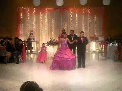 bailando el vals de quince a os quinceaneras waltz quincea 241 era bailando el vals con sus chambelanes 27may12