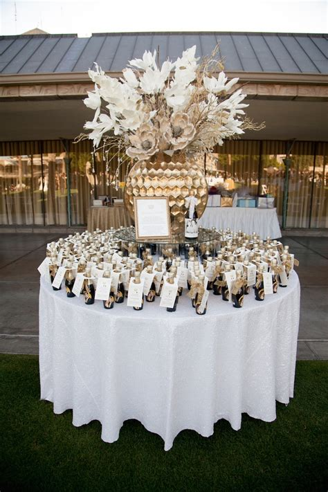 Favors & Gifts Photos   Champagne Favors Display   Inside