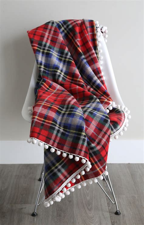 How To Make Handmade Blankets - easy beautiful diy fleece blankets it s always autumn