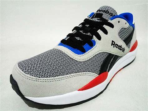 Sepatu Reebok Black Blue sepatu reebok royal flag royal mens v69047 steel