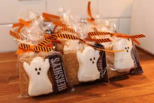 Halloween Peeps Pinterest Challenge Who Wants S More Halloween Favors Old Town Home