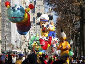 thanksgiving parades macy s thanksgiving day parade history business insider