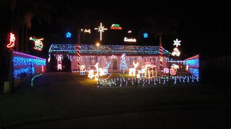 how to find the best christmas lights around cairns