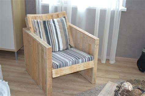 diy armchair upholstery diy pallet chair design ideas to try keribrownhomes