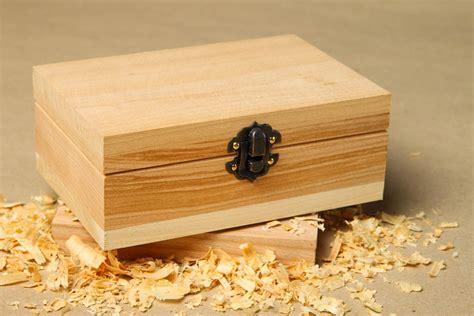 como pintar y decorar una caja de madera como pintar una caja de madera affordable no se trata de